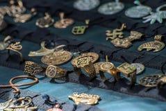 Bijoux sur le compteur Image stock