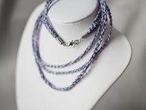 Bijoux tordus colorés de cordes Image libre de droits
