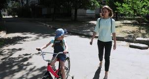bike учя езду к сток-видео