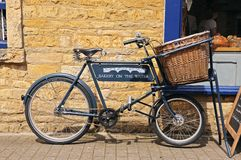 Bike with basket, Bourton on the Water. Stock Image
