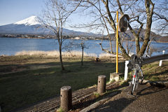 Bike and Beautiful Mount Fuji with lake, japan Stock Images