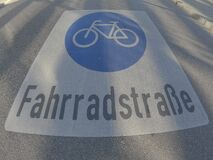 Bike lane sign in German