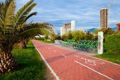 Bike o aluguer na frente marítima em Batumi, Geórgia Fotos de Stock