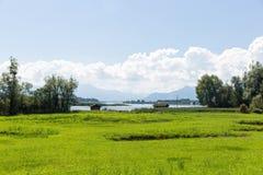 Bike o trajeto em torno do lago Chiemsee, Baviera, Alemanha Fotografia de Stock Royalty Free