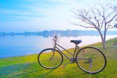 bike para a vida, bicicleta na manhã Fotografia de Stock Royalty Free