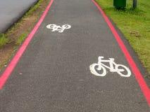 Bike sinais da pista nas ruas moídas em Brasil Foto de Stock Royalty Free