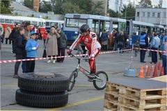 Bike skill demonstration 9 Royalty Free Stock Photos