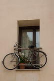 Bike in the window Royalty Free Stock Photos