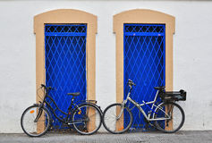 Bikes at the house Royalty Free Stock Photography