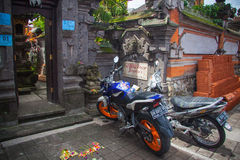 Bikes near hindu temple in  Ubud Stock Photography