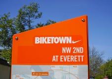 Biketown波特兰-从耐克的出租自行车在城市-波特兰-俄勒冈- 2017年4月16日 库存照片