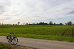 bikeway an einem Herbstnovember-Nachmittag Stockfotos