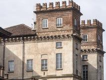 Bikeway längs den stora Naviglioen, Palazzo Archinto på Robecco Royaltyfri Foto