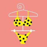 Bikiní amarillo del punto de polca Fotos de archivo