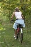 biking κορίτσι moutain Στοκ Εικόνες