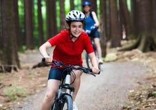 Biking attivo della gente fotografie stock