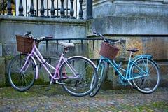 Biking in Cambridge royalty-vrije stock afbeelding
