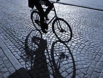 Biking da tarde fotografia de stock