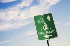 Biking in de stad Royalty-vrije Stock Afbeelding