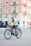 Biking urbano Immagini Stock