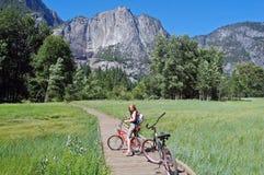 Biking in yosemite immagine stock