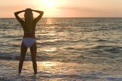 bikini ηλιοβασίλεμα Στοκ Φωτογραφία