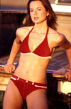 bikini κόκκινο σουέτ πορτρέτων Στοκ Φωτογραφίες