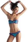 bikini παίζοντας καλοκαίρι τριχώματος κοριτσιών Στοκ Εικόνες