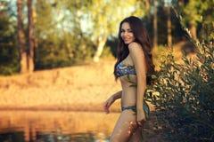 bikini χαμόγελο κοριτσιών Στοκ Εικόνες