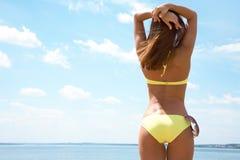 bikini ciało garbnikująca kobieta Obraz Stock