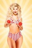 Bikini en grapefruit Royalty-vrije Stock Foto's