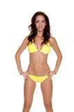 Bikini giallo del puntino di Polka Fotografie Stock Libere da Diritti