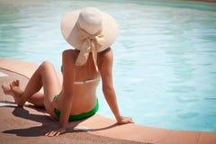 Bikini i handling Fotografering för Bildbyråer