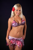 Bikini s'usant de femme blond sexy Photographie stock