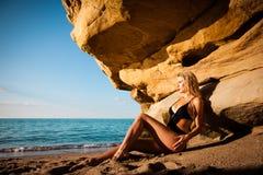 Bikini su una spiaggia fotografia stock libera da diritti