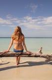 Bikinifrau im Paradies Stockfoto