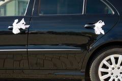 bil dekorerat gifta sig för band Arkivbilder