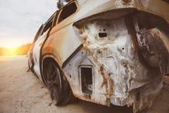 Bil efter brand arkivfoton