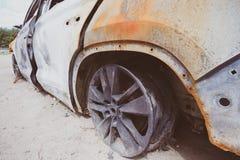 Bil efter brand royaltyfria bilder