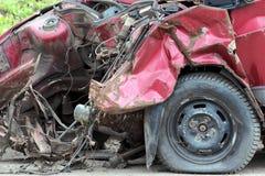 Bil efter krasch fotografering för bildbyråer