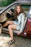 bil för 3 affär som ut får den sexiga kvinnan Royaltyfri Bild