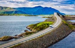 Bil för Atlantic Ocean väghusvagn Fotografering för Bildbyråer