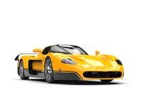 Bil för enormt begrepp för svart och för guling toppen stock illustrationer