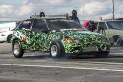 Bil för framhjuldrevfriktion Royaltyfri Bild
