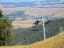 Bil för kabel för kabelbil på berget i Serbien royaltyfri foto