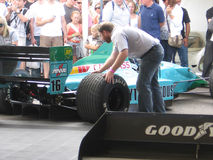 Bil för Leyton hus F1 på den Goodwood festivalen 2009 av hastighet Royaltyfri Foto