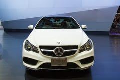 Bil för Mercedes-Benz E 200 CGI-kupé på skärm Royaltyfri Fotografi