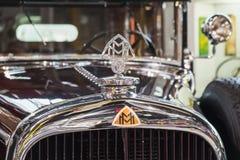 Bil för tappningMaybach zeppelinare royaltyfria foton