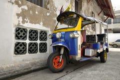 Bil för Tuk Tuk Thailand sparkcykelframdel Royaltyfri Foto
