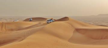 Bil i öken Fotografering för Bildbyråer